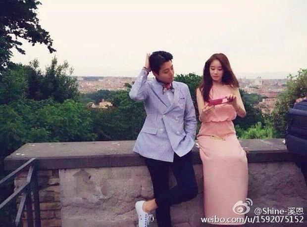 Cuộc hôn nhân 3 năm ngắn ngủi của gã đàn ông bội bạc nhất Kbiz Lee Dong Gun - Jo Yoon Hee: Từng bất chấp bị mắng chửi, cố sống cố chết để cưới nhau rồi lại chia tay vì... không hợp - Ảnh 2.