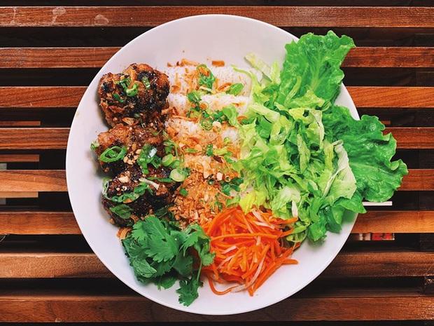 Nhà hàng của vua đầu bếp Christine Hà tại Mỹ sau vài tháng dính phốt bị đầu bếp người Việt chê nhớp nháp, cẩu thả đã có nhiều sự thay đổi bất ngờ - Ảnh 6.