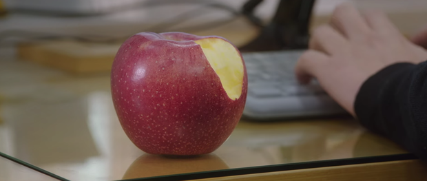 Màn cameo bất ngờ nhất Mystic Pop-up Bar: Cha đẻ của táo cắn dở xuống âm phủ làm nhân viên kỹ thuật máy tính - Ảnh 8.