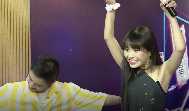 Mix-In Show: Thanh Duy nhảy hit SNSD, Han Sara lại đoán nhầm sang... TWICE - Ảnh 9.