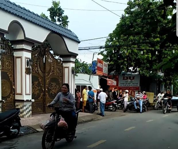 Truy bắt kẻ sát hại người đàn ông trong căn biệt thự ở vùng ven Sài Gòn - Ảnh 1.