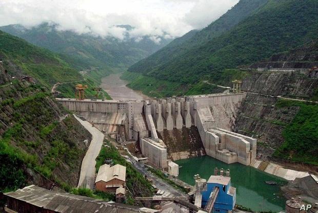 Nổ đập thủy điện Trung Quốc, 6 người thiệt mạng - Ảnh 1.