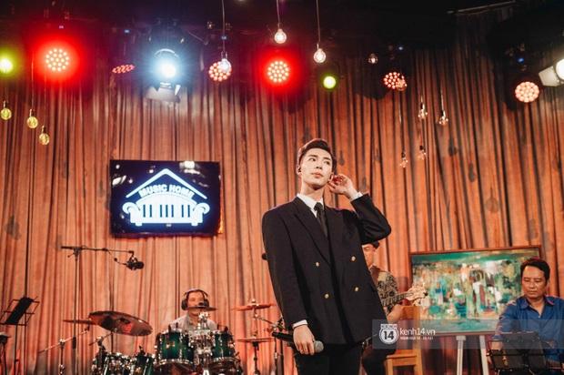 Hoà Minzy và Erik lần đầu song ca Không Thể Cùng Nhau Suốt Kiếp, ngẫu hứng cover hit Bích Phương chứng minh top 1 trending quy tụ loạt ca khúc siêu đỉnh - Ảnh 9.