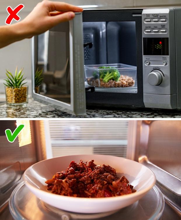 Chuyện bếp núc sẽ mãi là thảm hoạ nếu chúng ta không nhận ra 7 việc sai bét vẫn làm mỗi ngày bấy lâu nay - Ảnh 3.