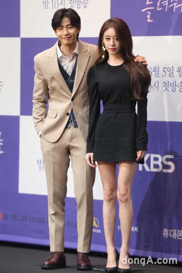 Jiyeon (T-ara) sau khi bị Lee Dong Gun bội bạc: Lột xác táo bạo, bị đồn hẹn hò Jung Joon Young và đáng mừng nhất là mới đây - Ảnh 13.