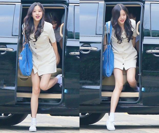 Idol 16 tuổi được coi là đối thủ chân dài của Lisa: Mặc gì cũng đẹp, đôi chân dài siêu thực luôn chiếm trọn spotlight - Ảnh 8.