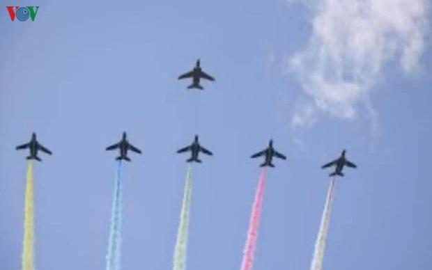 Nhật Bản biểu diễn bay cám ơn nhân dân chung tay ứng phó dịch Covid-19 - Ảnh 1.