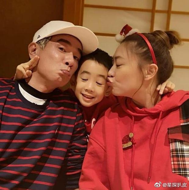 Á hậu Hong Kong hạ sinh quý tử thứ 2 cho Vi Tiểu Bảo khổ nhất Cbiz, netizen xuýt xoa ngưỡng mộ gia đình kiểu mẫu - Ảnh 8.
