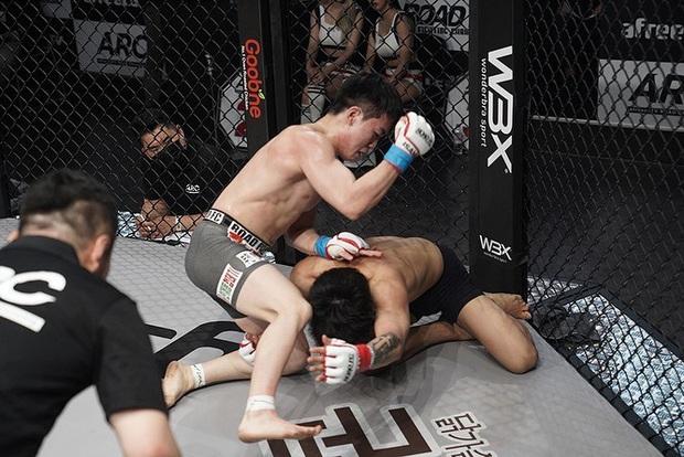 Thi đấu đã tệ lại còn thích nhảy nhót làm màu, anh chàng võ sĩ Hàn Quốc nhận về cái kết sấp mặt lần thứ 7 liên tiếp - Ảnh 1.