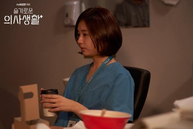 Đầy nhân văn và chân thật, Hospital Playlist chính là phim y khoa hay nhất xứ Hàn lúc này! - Ảnh 11.