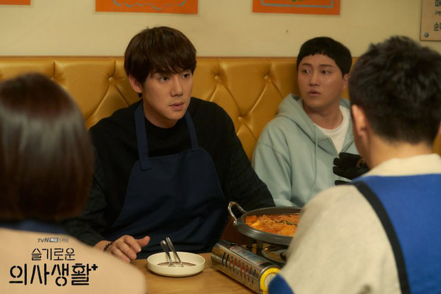 Đầy nhân văn và chân thật, Hospital Playlist chính là phim y khoa hay nhất xứ Hàn lúc này! - Ảnh 7.
