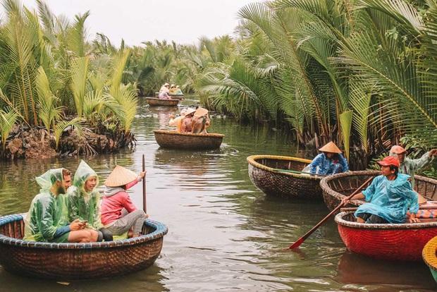 12 trải nghiệm du lịch tại Việt Nam hấp dẫn các blogger nước ngoài: Từ leo núi ở Sa Pa, học nấu ăn ở Hội An đến đi xe máy xuyên Việt đều thật xịn sò - Ảnh 4.