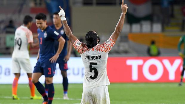 Đội tuyển Việt Nam xuất hiện trong cuộc bình chọn 10 bức ảnh nổi bật nhất ASIAN Cup 2019: Nhanh tay kéo rank thôi mọi người ơi! - Ảnh 10.