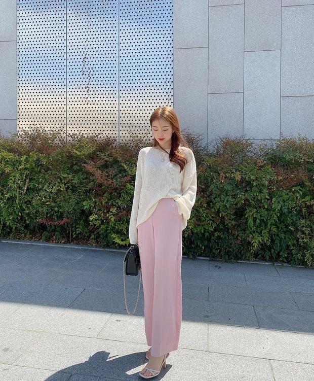 2 tuyệt chiêu sơ vin hack dáng cực phẩm của quý cô Hàn, biến chân ngắn thành dài như dùng app kéo chân - Ảnh 1.