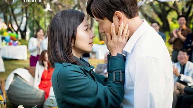 Sun Woo (Thế Giới Hôn Nhân) mây mưa với chồng cũ khiến khán giả uất ức: Gây sốc câu rating có thỏa đáng tâm lý? - Ảnh 4.