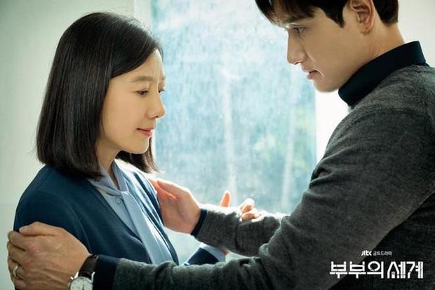 Sun Woo (Thế Giới Hôn Nhân) mây mưa với chồng cũ khiến khán giả uất ức: Gây sốc câu rating có thỏa đáng tâm lý? - Ảnh 2.