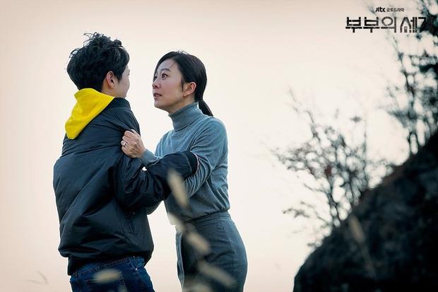 Sun Woo (Thế Giới Hôn Nhân) mây mưa với chồng cũ khiến khán giả uất ức: Gây sốc câu rating có thỏa đáng tâm lý? - Ảnh 9.