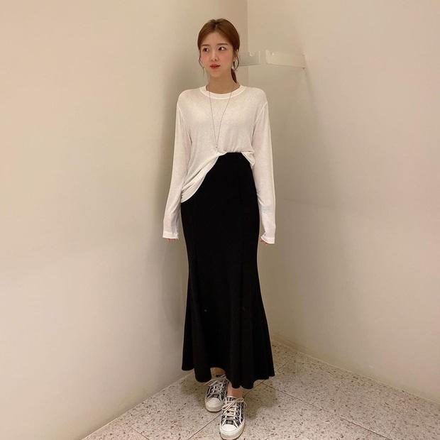 2 tuyệt chiêu sơ vin hack dáng cực phẩm của quý cô Hàn, biến chân ngắn thành dài như dùng app kéo chân - Ảnh 3.