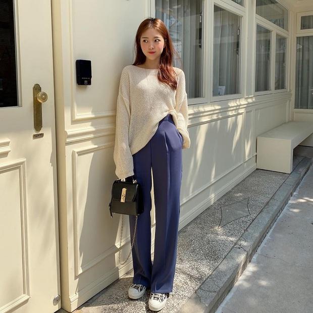 2 tuyệt chiêu sơ vin hack dáng cực phẩm của quý cô Hàn, biến chân ngắn thành dài như dùng app kéo chân - Ảnh 4.