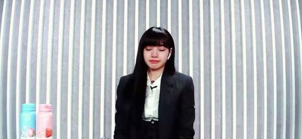 Lisa ôm đầu bật khóc vì xúc động khi top 9 Thanh xuân có bạn chính thức lộ diện - Ảnh 3.