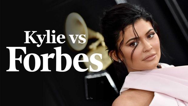 Mật báo Hollywood: Kylie Jenner có thể đối mặt với án tù vì bị Forbes tố, màn tái hợp Brad Pitt và Jennifer giết Angelina? - Ảnh 2.