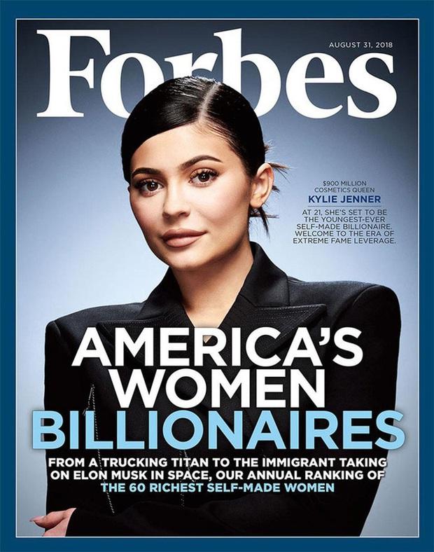Biến căng: Forbes tuyên bố Kylie Jenner không còn là tỷ phú đô la, cáo buộc chiêu trò, giả mạo giấy tờ với tài sản thực gây sốc - Ảnh 2.