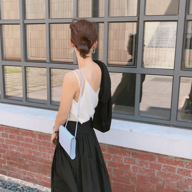 3 kiểu tóc búi thấp gái Hàn diện nguyên hè: Mát lịm mà vẫn cực sang, chưa mất 1 phút đã xong ngay - Ảnh 2.