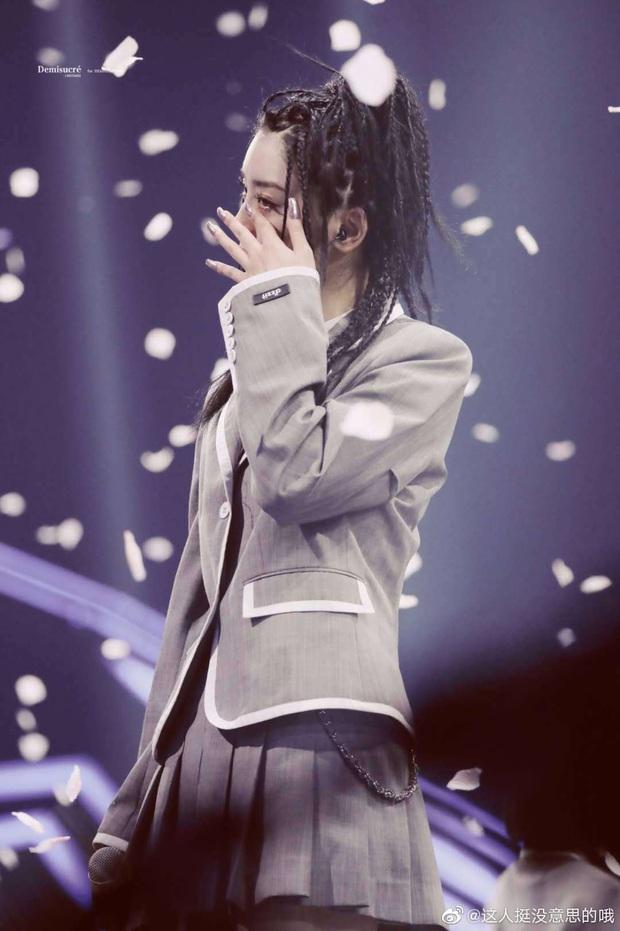 Học trò cưng của Lisa hot nhất chung kết Thanh Xuân Có Bạn: Mái tóc siêu chất, thần thái sát khí khiến fan lụi tim - Ảnh 5.