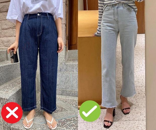 Mắc 4 sai lầm này khi diện quần jeans, các chị em đã tự đưa tên mình vào top mặc xấu chốn công sở - Ảnh 3.