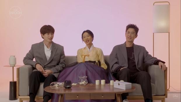 Dàn sao Mystic Pop-up Bar bật mí về cuộc sống: Hwang Jung Eum là con gái Long Vương, Yook Sung Jae sâu sắc bất ngờ - Ảnh 12.