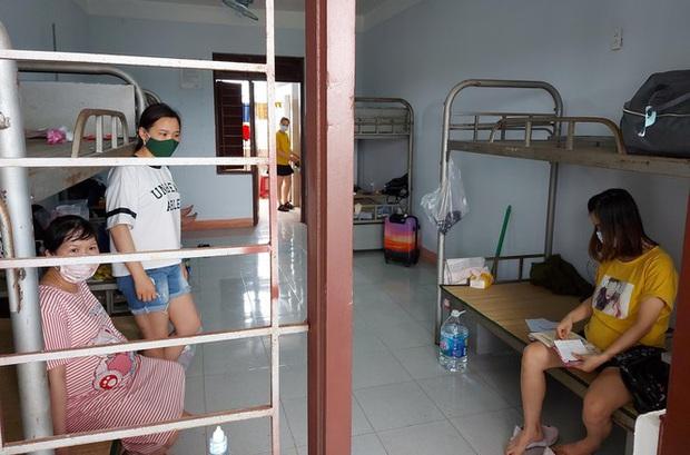 Hàng trăm thai phụ từ Đài Loan về Việt Nam cách ly: Mừng rơi nước mắt - Ảnh 11.