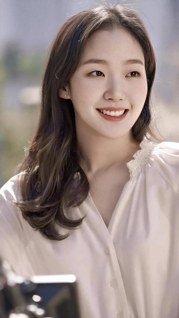 30 diễn viên Hàn hot nhất hiện nay: Dàn cast Thế Giới Hôn Nhân thầu top 3, Lee Min Ho có thua 2 tài tử Hospital Playlist? - Ảnh 10.