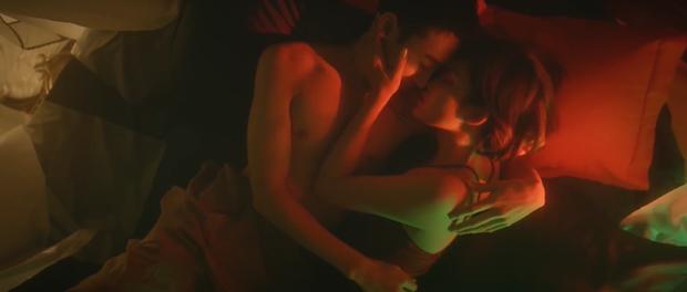 Bích Phương khoe body nóng bỏng bên nam diễn viên người Hàn trong Một Cú Lừa nhiều cảnh nóng, cái kết khiến khán giả thót tim? - Ảnh 12.