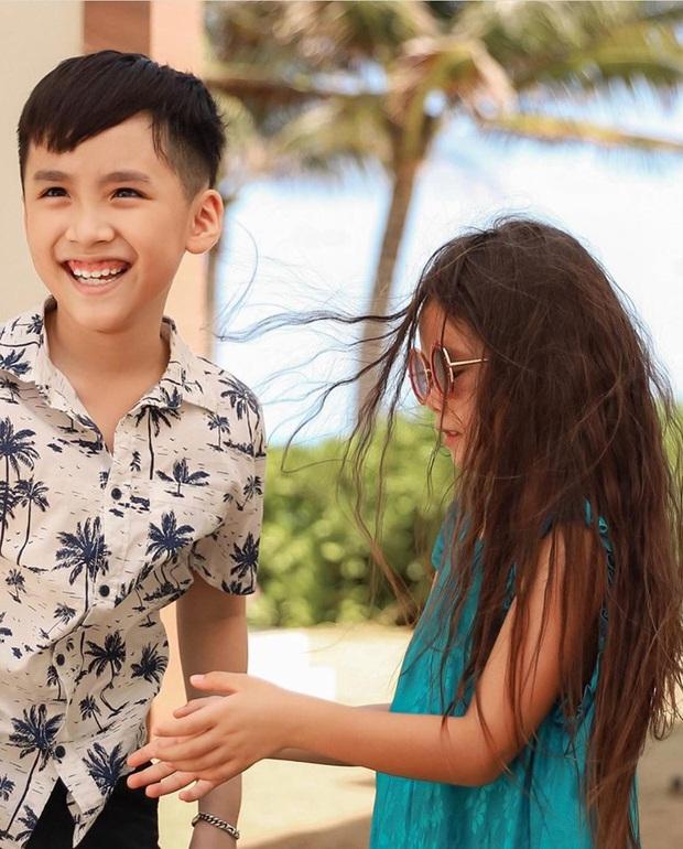 """Thu Trang tung loạt ảnh new couple"""" cực tình của quý tử và con gái Đoan Trang: Chờ gì mà không """"đẩy thuyền"""" nè cô chú ơi! - Ảnh 4."""