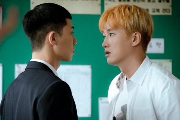 Bị đồn bất hòa với Park Seo Joon, nghịch tử điển trai Ahn Bo Hyun đáp trả: Tụi mị mới nhậu tuần trước nè! - Ảnh 2.