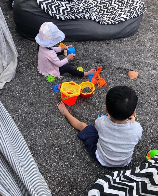 Hà Tăng tiết lộ thú vui cuối tuần của 2 nhóc tỳ: Cậu ấm - cô chiêu nhà đại gia chơi đùa theo cách giản dị bất ngờ - Ảnh 5.