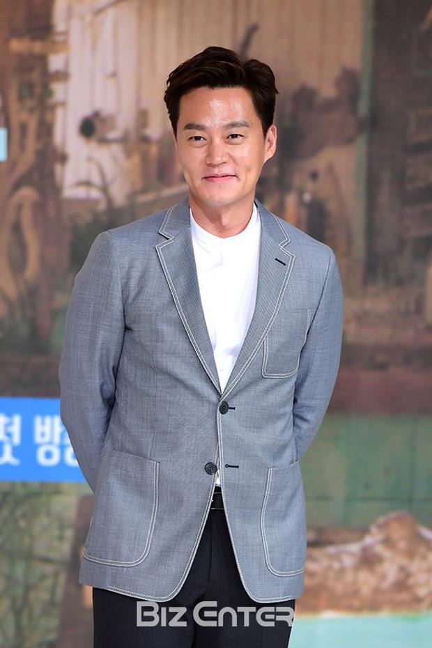 5 gã đàn ông bước qua đời Lee Hyori: Hết tài tử thế giới đến người thừa kế, nhưng chàng trai nghèo lại chiếm trọn trái tim nữ hoàng - Ảnh 23.