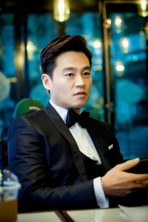 5 gã đàn ông bước qua đời Lee Hyori: Hết tài tử thế giới đến người thừa kế, nhưng chàng trai nghèo lại chiếm trọn trái tim nữ hoàng - Ảnh 13.