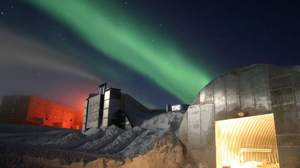 Cái chết bí ẩn của nhà khoa học ở Nam Cực: Tai hoạ bất ngờ hay án mạng trong không gian kín được sắp đặt hoàn hảo? - Ảnh 2.
