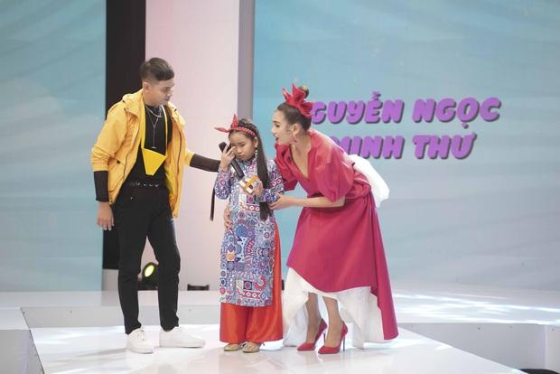 Nhà thiết kế tương lai nhí: Thí sinh nhí khiến Hà Nhật Tiến bật khóc vì nhớ lại người mẹ đã khuất - Ảnh 6.
