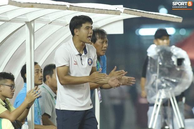 Hà Đức Chinh tái hiện màn chỉ đạo của Ronaldo nhưng cái kết cúp vô địch đã bay xa - Ảnh 4.