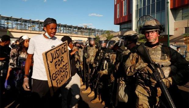 Hàng trăm người bị bắt giữ trong các cuộc biểu tình lan rộng tại nước Mỹ - Ảnh 2.