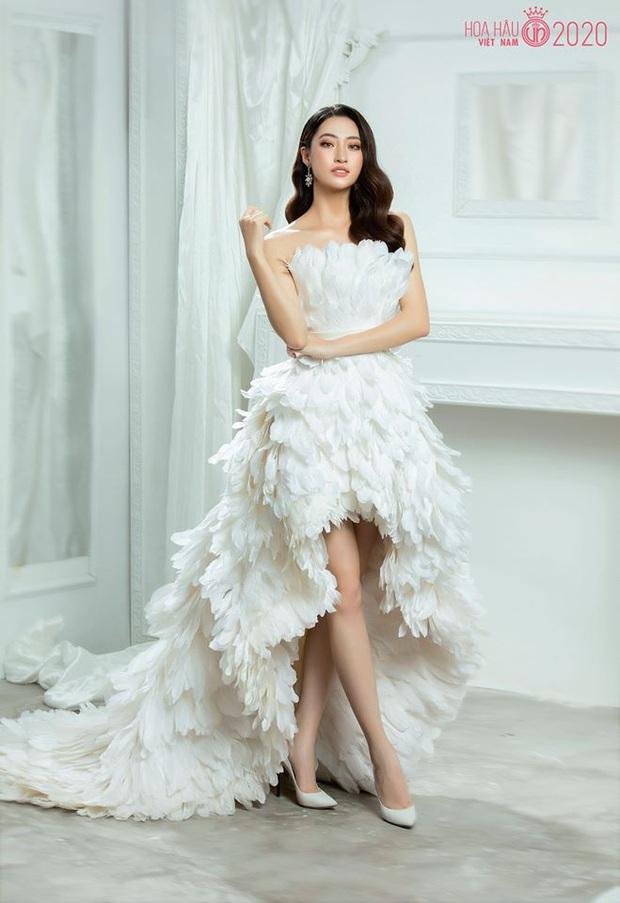 Cùng 1 bộ váy: Ngọc Trinh bỗng kém đẹp so với Lương Thùy Linh vì vóc dáng gầy gò, trơ xương thiếu sức sống - Ảnh 2.