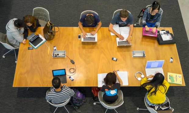 Các trường đại học Australia đề xuất cho phép sinh viên quốc tế nhập cảnh - Ảnh 1.