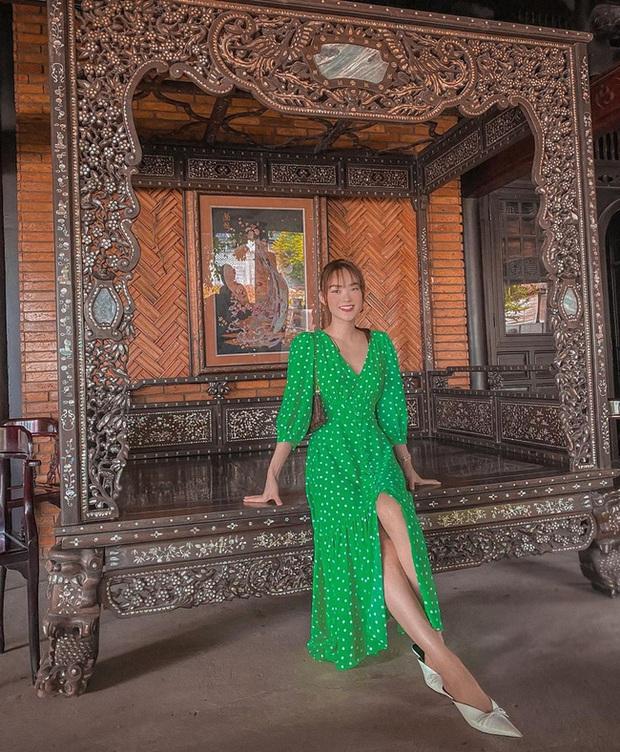 Ngắm style du lịch đẹp mê tơi của mỹ nhân Vbiz, bạn sẽ tìm thấy bao công thức diện lên đã xinh, chụp ảnh sống ảo lại càng xuất sắc - Ảnh 4.
