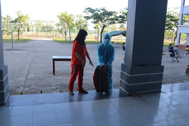 Nhịp sống bên trong khu cách ly 243 bà bầu ở Quảng Nam - Ảnh 5.