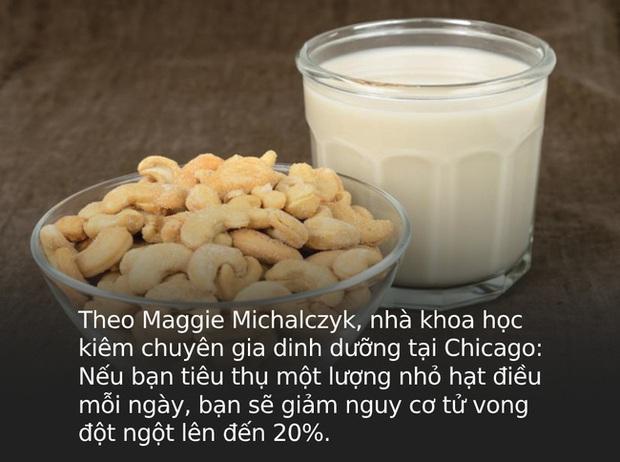 Chân ái của Hà Tăng dạo gần đây chính là thứ nước màu trắng này, nguyên liệu quen thuộc nhưng tận dụng để giảm cân và chống ung thư đều tốt - Ảnh 4.