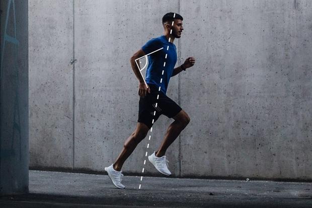 Chuyên trị những tư thế yoga động vật, Thiều Bảo Trâm bữa nay chuyển sang chạy bộ không ngờ mỡ bụng bay biến đi hết tiêu - Ảnh 10.