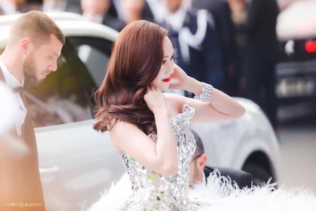 Tội Jessica, cứ đi sự kiện quốc tế là bị bóc sạch nhan sắc thật: Ảnh PTS khác hẳn thực tế, sốc nhất là 2 lần ở Cannes - Ảnh 16.