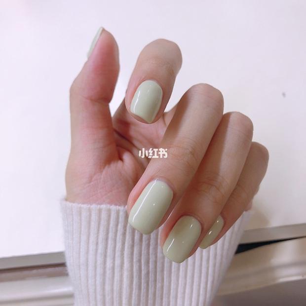 12 màu nail xinh xắn lại tôn da, rất phù hợp để chị em làm đỏm cho đôi tay mùa Hè - Ảnh 1.